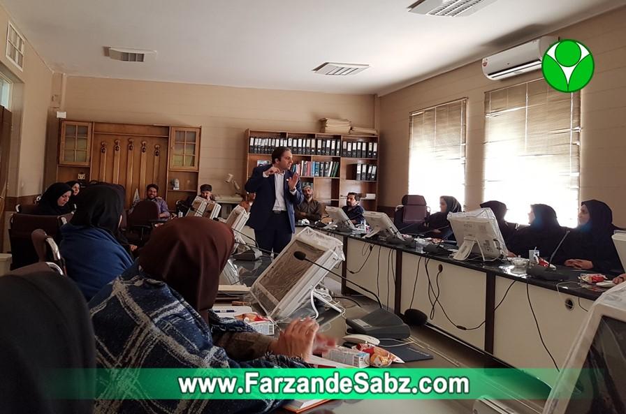 آموزش سواد رسانه ای برای کارمندان دانشگاه با تدریس محمد منشی زاده